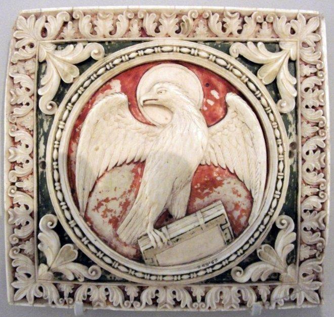Carolignian_Ivory_ca._800_eagle_VAM_Johnbod_commons_7b