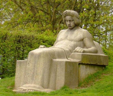 Beethoven_sculpture_Hans_Weingartz_commons_7c
