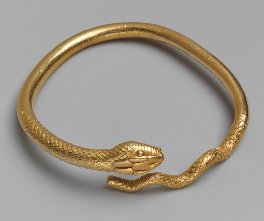 MMA_gold_snkae_bracelet_Hellenistic_7c