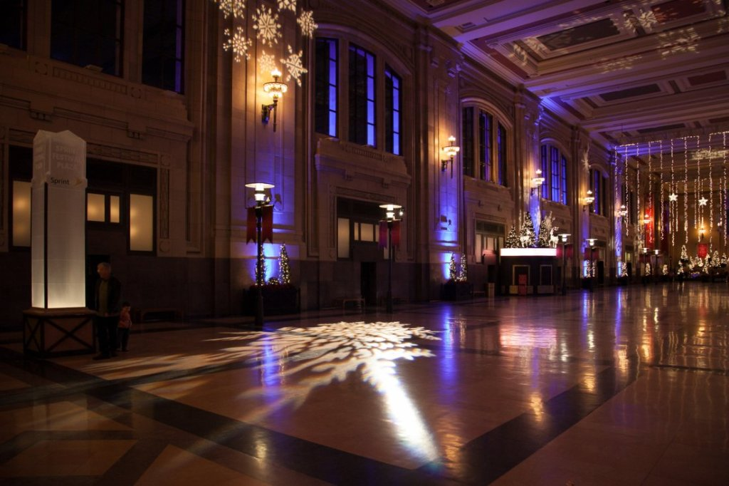 Peyronnin_Union_Station_Xmas_2013_7b