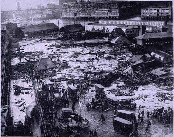 BostonMolassesDisaster_1919_commons_7b