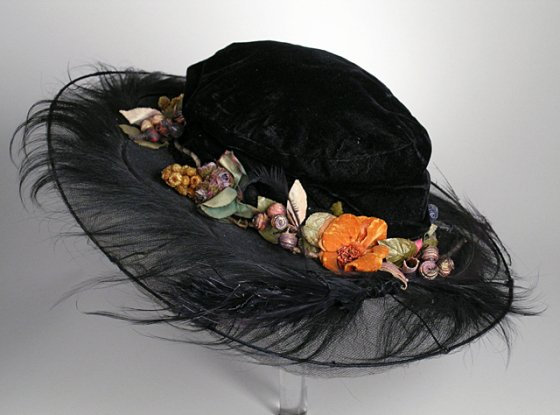 LACMA_picture_hat_monkey_fur_7b