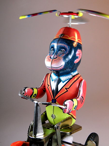 Unknown_Chinese_Maker_Tin_Monkey_and_Duck_on_Bike_Monkey_in_Action!!_commons_DJ_Shin_7