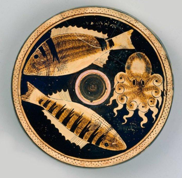 MFA_Campanian_fish_plate_Greek_4th_c._BC_7c