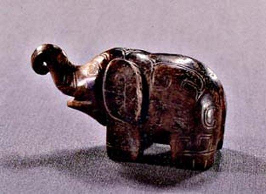 Fu_Hao_jade_elephant_1250_BC_7