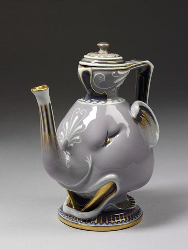 VAM_Sevres_1862_elephant_coffee_pot_7b
