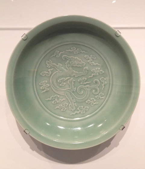 Asian_Art_Museum, Seattle, celadon_charger_with_baby_dragon_7b