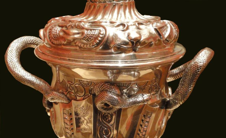 Covered_cup_Paul_de_Lamerie_1737_Nelson_Atkins_7_detail2b