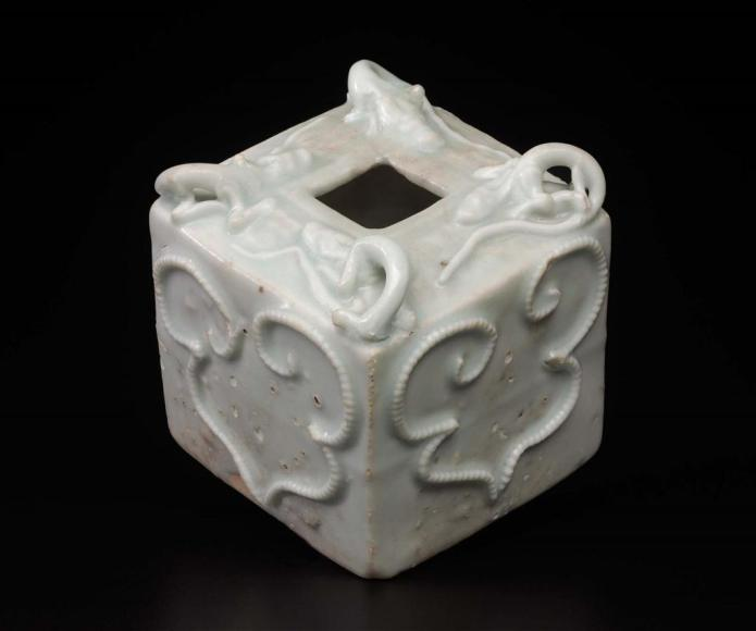 MFA_square_water_dropper_14thc_Yuan_chi_drgons_7