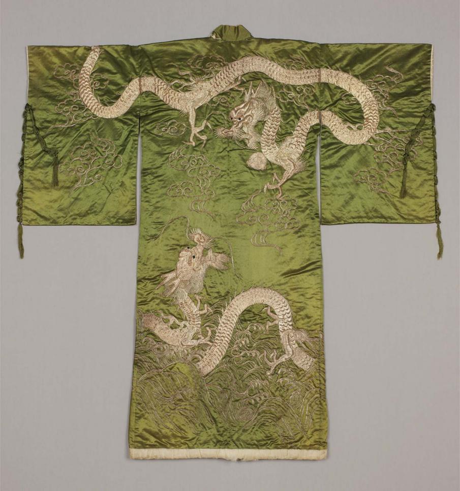 MFA_two_dragons_kabuki_kimono_7b