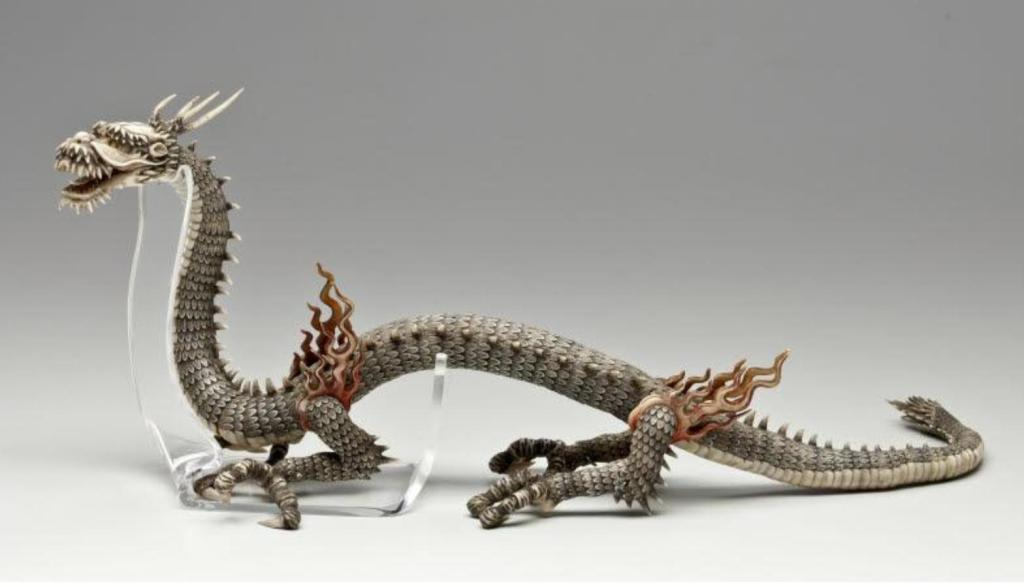 Oberlin_19thc_articulated_okimono_painted_ivory_dragon_7